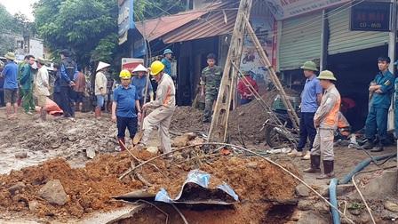 Nỗ lực tìm kiếm nạn nhân mất tích do lũ quét ở Văn Bàn (Lào Cai)