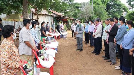 Campuchia hỗ trợ tiền mặt cho người dân bị COVID-19 ảnh hưởng