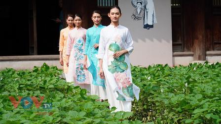 Áo dài Việt Nam: Sẽ gần gũi, thân thiện hơn với người Việt trẻ