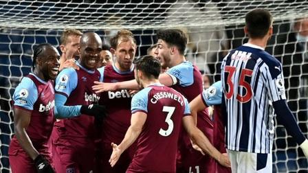 Tottenham 1-2 Aston Villa: Gà trống mất vị trí thứ 6 vào tay West Ham