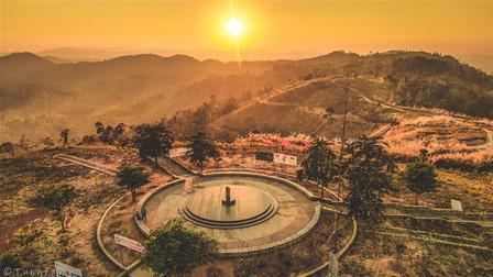 Ngã ba đặc biệt nhất Việt Nam: Nơi ngắm được toàn cảnh 3 nước Đông Dương một lúc