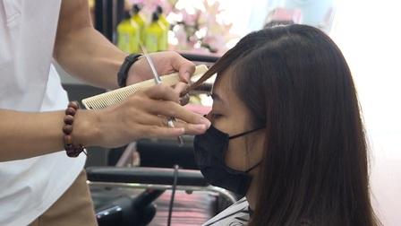 Massage, karaoke, cắt tóc, gội đầu... chịu thuế 7% từ ngày 1/8