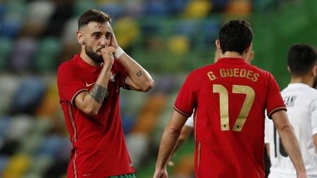 Vì sao Bruno Fernandes 'lặn rồi không chịu nổi' trong màu áo Bồ Đào Nha