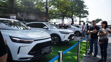 Ô tô Trung Quốc ồ ạt vào Việt Nam, tăng tới 230%