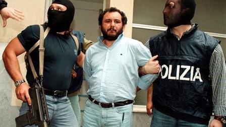 Vén màn tên trùm mafia tàn độc nhất Italy