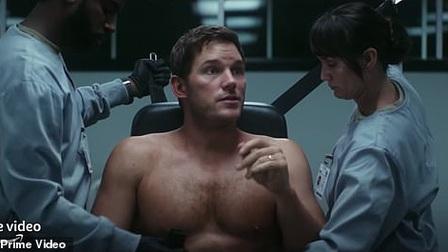 Chris Pratt làm được gì trong 'The Tomorrow War' ngoài khoe cơ bắp?