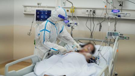 Lập trung tâm hồi sức cấp vùng điều trị Covid để giảm tải cho y tế địa phương