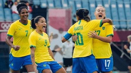 Marta của tuyển nữ Brazil ghi bàn thắng đi vào lịch sử Olympic