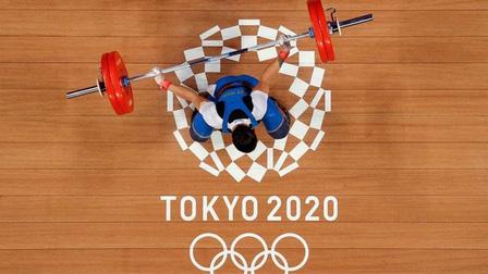 Lại rơi ba lần tạ cử đẩy, Thạch Kim Tuấn thảm bại ở Olympic 2020