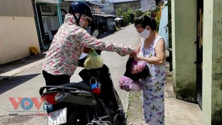 Bạc Liêu: Thành lập 'Tổ phụ nữ đi chợ hộ' mua các mặt hàng thiết yếu giúp người dân