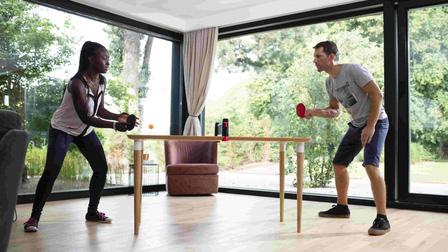 Cùng gia đình rèn luyện sức khỏe với các bộ môn thể thao trong nhà