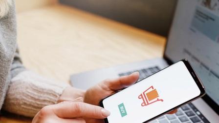 Mắc bẫy khi mua hàng online