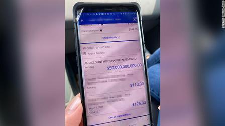 Ngân hàng chuyển nhầm 50 tỉ USD vào tài khoản của gia đình ở Mỹ