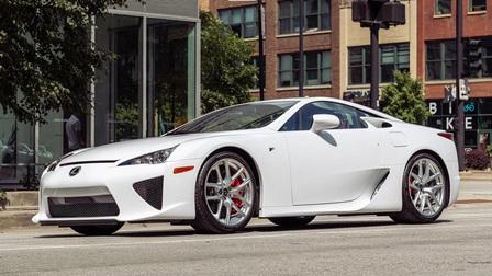Siêu xe hàng hiếm Lexus LFA còn như mới được bán đấu giá