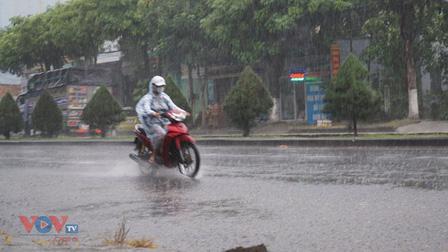 Thời tiết hôm nay: Bắc Bộ có mưa rào và dông