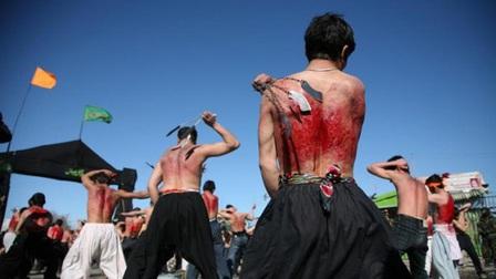 Rợn người 5 lễ hội, nghi lễ kỳ quái ở Ấn Độ