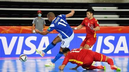 World Cup futsal 2021: Tuyển Việt Nam ghi bàn vẫn thua đậm Brazil