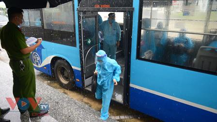 Hà Nội: Đón công dân phường Thanh Xuân Trung từ khu cách ly trở về