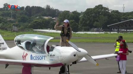 Nữ phi công trẻ tuổi nhất bay vòng quanh thế giới một mình dừng chân ở Costa Rica