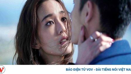 Đừng khóc vì một người chồng vô tâm, hãy gạt đi nước mắt sống vì mình, vì con