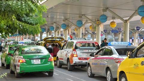 TP.HCM: Hai hãng taxi được hoạt động để hỗ trợ y tế và đưa đón người tại sân bay