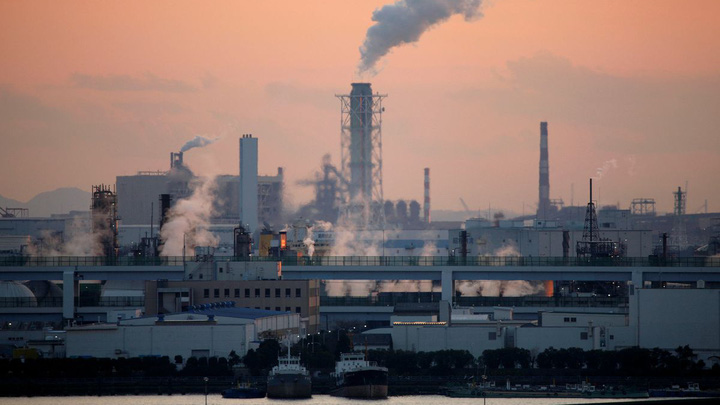 Nhật Bản chuẩn bị các biện pháp ứng phó với giá dầu tăng cao