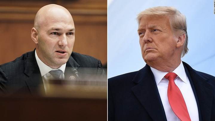 Ông Trump bắt đầu trả đũa nghị sĩ Cộng hòa phản bội