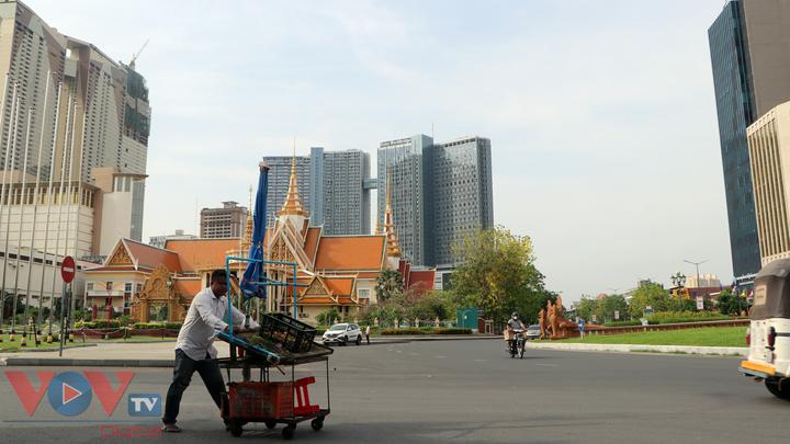 Thủ đô Phnom Penh ngày đầu dỡ bỏ lệnh phong tỏa