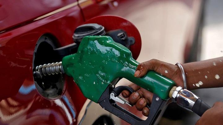 Các trạm xăng ở Anh cạn kiệt nguồn hàng do tình trạng thiếu tài xế xe tải