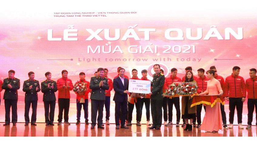 MB trao thưởng CLB bóng đá Viettel 2 tỷ đồng sau chức vô địch V- League 2020