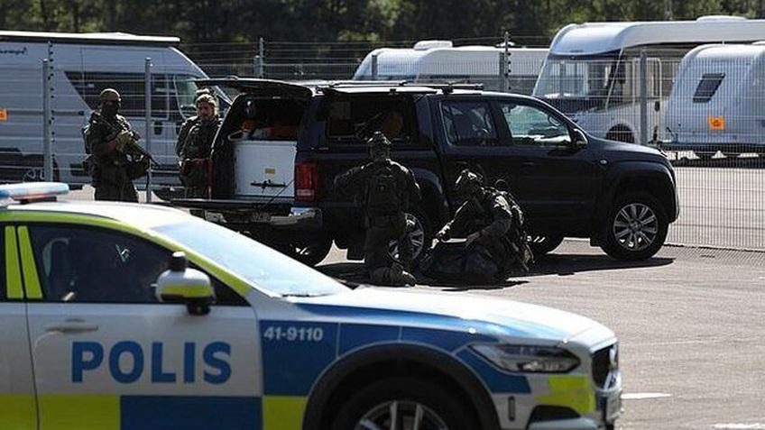 Tù nhân Thụy Điển bắt quản ngục làm con tin suốt 9h, đòi chuộc bằng pizza