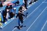 Đang làm quay phim, bỗng nổi tiếng vì… chạy quá nhanh
